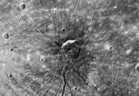 Figure. 1 The 'Spider', revealed in an image sent back by MESSENGER, 14.1.2008. The volcano, circumscribed by a faint, white annular marking, is about 330 km in diameter.