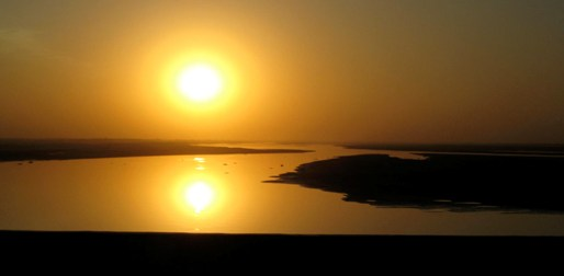 Sunset over the Indus River at Sukkur, northern Sindh Province.