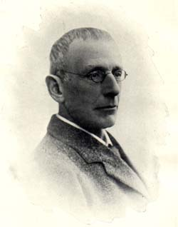 Edward Greenly in his late thirties