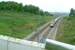 Eurostar passes through Scalers Hill