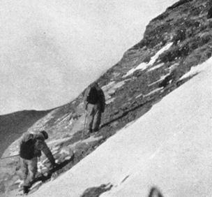 Wyn Harris and Wager leaving Camp VI for Camp V on May 30, 1933, after the first assault on Everest (Ruttledge 1934).