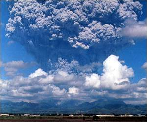 Mt Pinatubo erupting. Photo: USGS