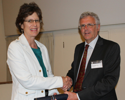 Susan Brantley receiving the Wollaston Medal